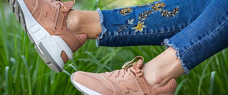 Sneakersy New Balance - wygodna propozycja na wiosnę. Wybrane modele z wyprzedaży!