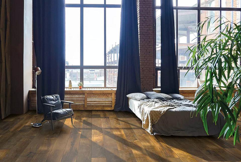 Panele podłogowe Castlebridge pomogą udekorować wnętrze z charakterem.