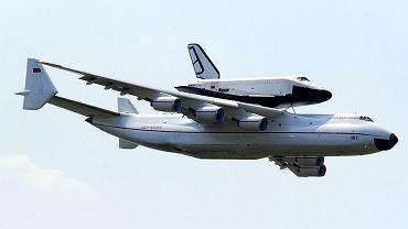 Antonow An-225 z wahadłowcem Buran