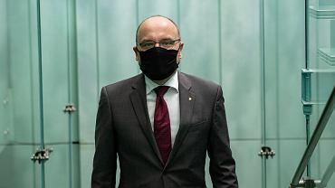 Komisarz - p.o. Pierwszego Prezesa SN Kamil Zaradkiewicz podczas obrad Zgromadzenia Ogólnego Sądu Najwyższego. Warszawa, 9 maja 2020