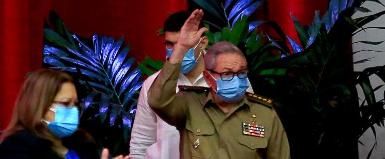 Raul Castro rezygnuje z funkcji szefa Partii Komunistycznej Kuby
