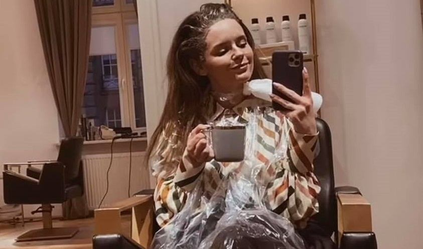 Olga Kalicka przeszła metamorfozę. Nowa fryzura aktorki podzieliła fanki. 'W blondzie lepiej'