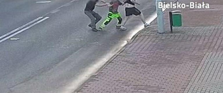 Czechowice-Dziedzice: 34-latek dźgał znajomego w szyję. Uratował go przejeżdżający obok mężczyzna