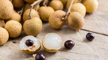 Longan jest owocem bardzo podobnym do liczi