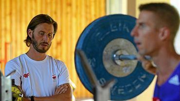 Trener Tomasz Lewandowski i Marcin Lewandowski