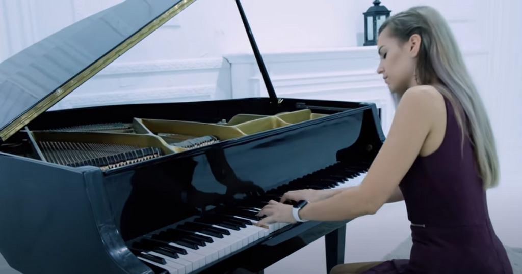 Gamazda - Roxette - Listen To Your Heart (Piano cover)
