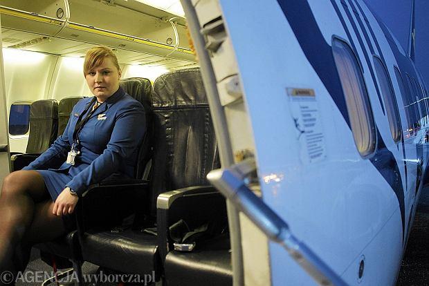 Zawód: stewardesa. Stalowe nerwy, biegły angielski i nawet 10 tys. zł pensji