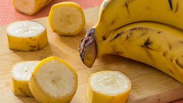 Banany z jadalną skórką trafiły do sprzedaży. Ponoć są słodsze i zdrowsze od zwykłych