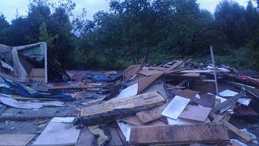 Zniszczone osiedle Romów