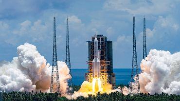Chiny też chcą podbić Marsa. Ruszyła pierwsza misja. Statek kosmiczny dotrze na planetę w 2021 roku