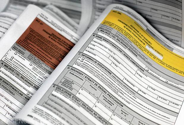 Ważna zmiana w PIT. Od stycznia 2019 r. nie będzie zeznań podatkowych. Caritas boi się o dochody