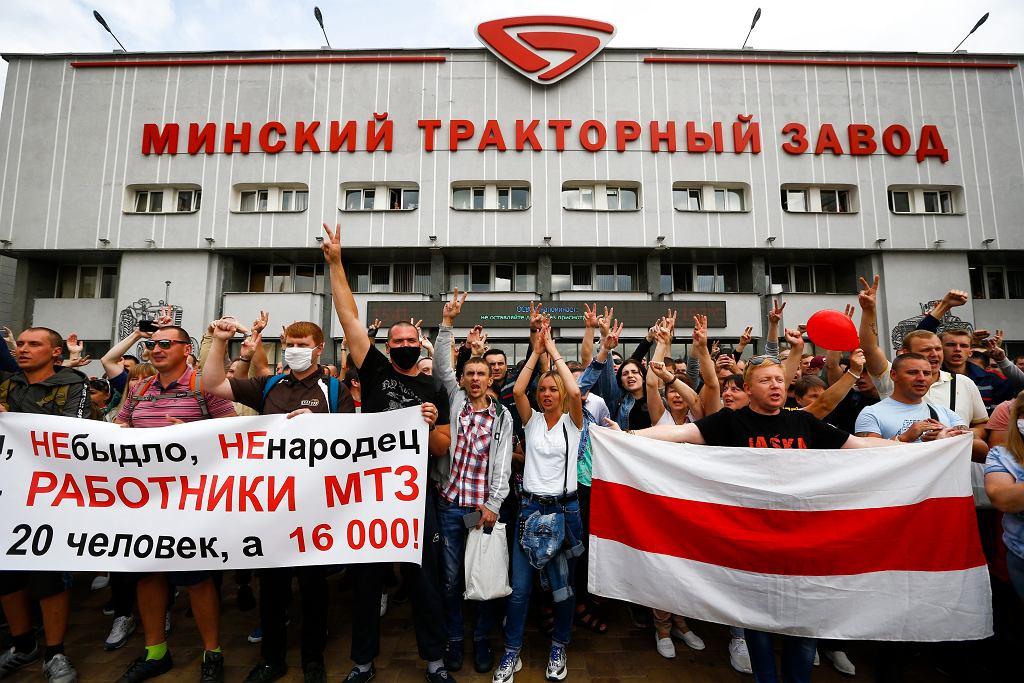 Trwają protesty w białoruskich zakładach pracy