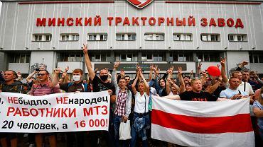 """Białoruś. Pracownicy największych zakładów na ulicach. """"Nie jesteśmy bydłem"""""""