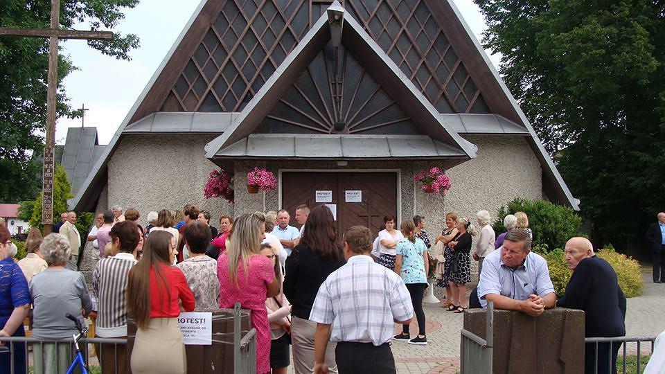 Blokada parafii pod wezwaniem Matki Bożej Bolesnej w Przędzelu (pow. Nisko)