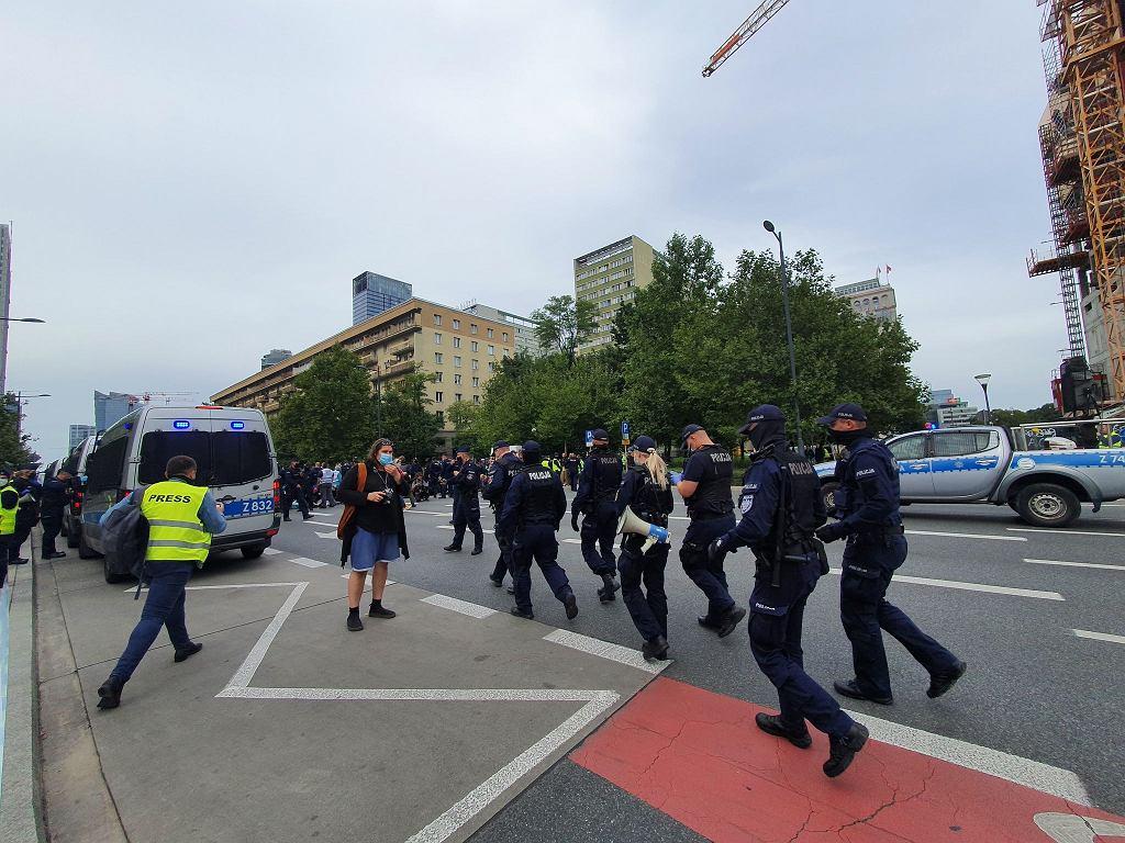 Blokada ulicy Świętokrzyskiej