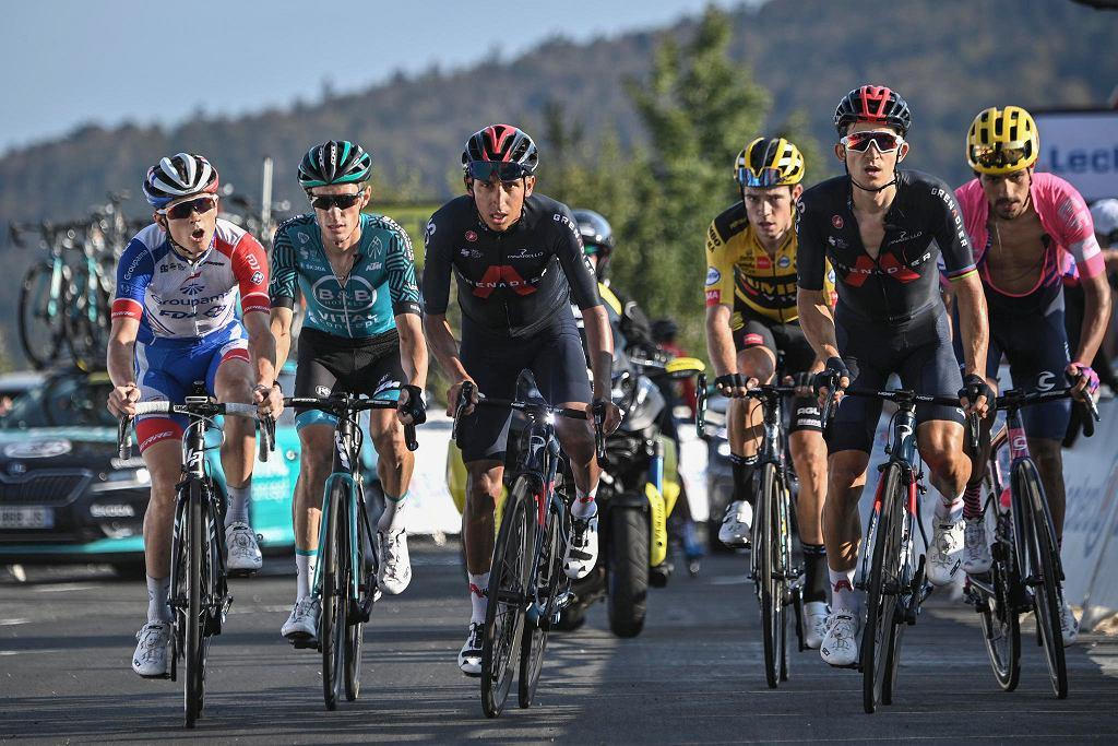 Tour de France 2020. Od lewej: David Gaudu, Pierre Rolland, Egan Bernal, Wout Van Aert, Michał Kwiatkowski i Daniel Felipe Martinez,
