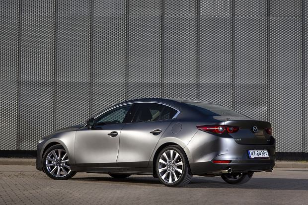 Mazda 3 sedan 2.0 Skyactiv-G