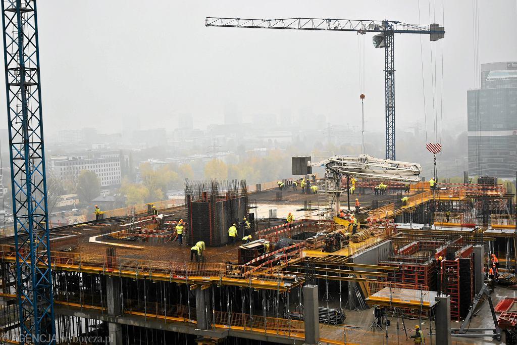 Najwięcej Ukraińców w Polsce pracuje w sektorze usług remontowo-budowlanych