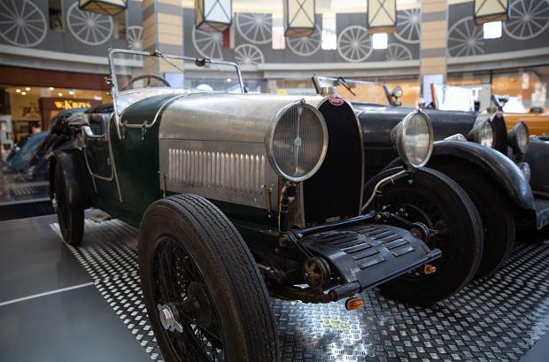 Zdjęcie numer 7 w galerii - Kultowe modele samochodów Bugatti zjechały do Katowic [ZDJĘCIA]