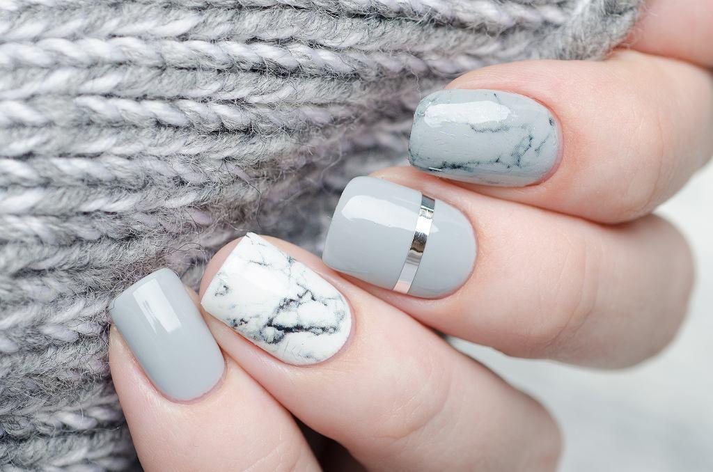 Czym jest manicure kombinowany? To jedna z bardziej praktycznych wersji hybrydy