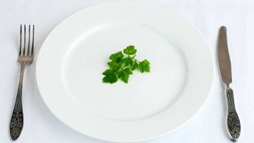 Eliminowanie z diety kolejnych produktów pod pretekstem dbania o jakość spożywanego jedzenia może być zapowiedzią ortoreksji