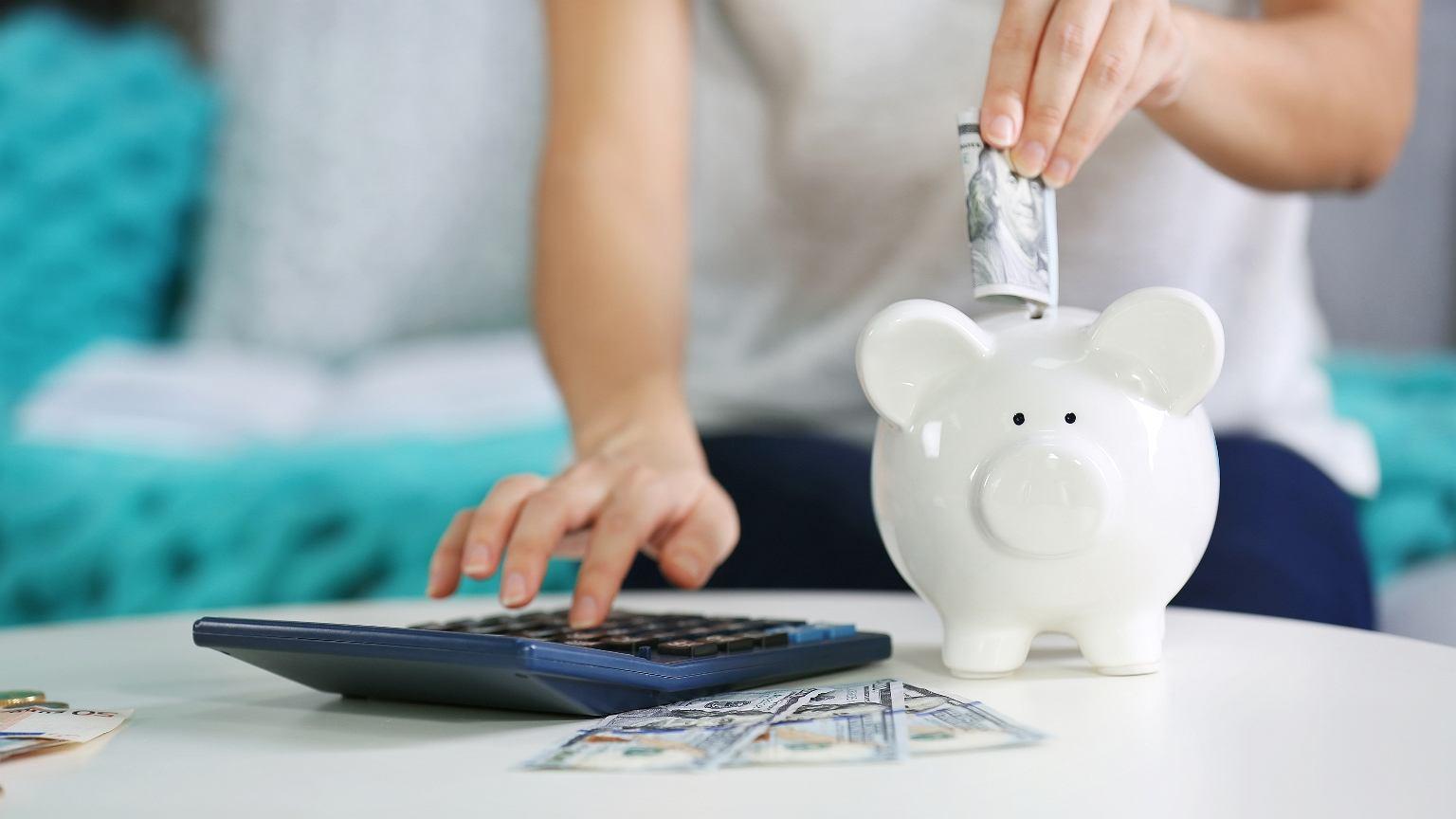 Nowoczesne metody oszczędzania dają więcej możliwości niż tradycyjna skarbonka