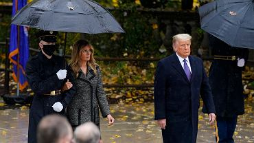 Melania Trump i Donald Trump podczas Dnia Weteranów w Arlington.