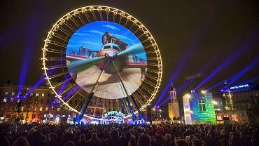 """""""Reves de nuit"""" Instalacja Damiena Fontaine'a zaprezentowana podczas Festiwalu Światła w centrum Lyonu. W festiwalu, który trwał 5-8 grudnia 2014 uczestniczyli projektanci z całego świata."""