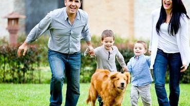 Zwierzęta domowe rozwijają wrażliwość, uczą odpowiedzialności, zachęcają do aktywności fizycznej. Boisz się kupić psa ze względu na ryzyko alergii? Wcale nie jest takie duże...
