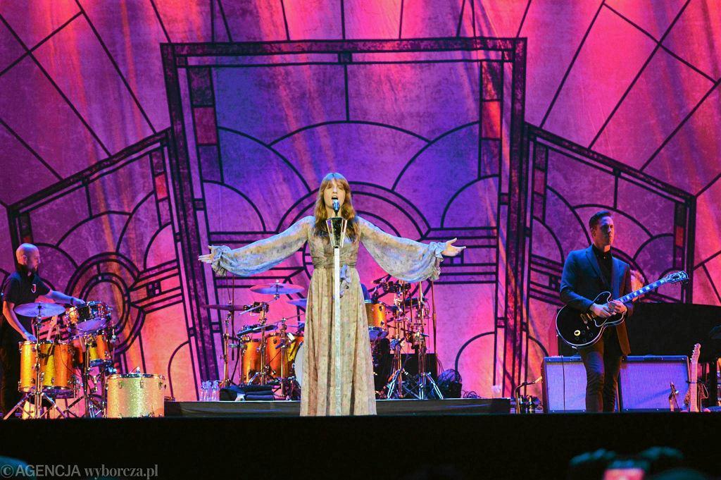 W zeszłym roku na Orange Warsaw Festiwal gwiazdą była grupa Florence and the Machine / FRANCISZEK MAZUR