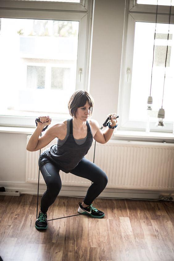Ćwiczenia z expanderem przynoszą szybkie efekty.