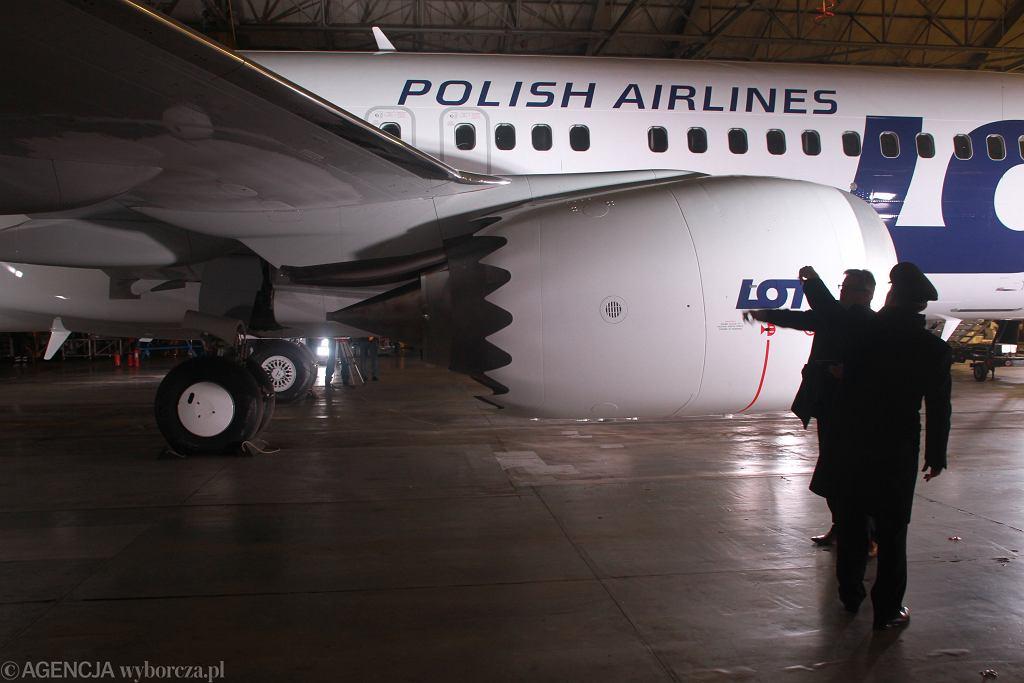 Boeing 737 Max 8 w barwach LOT. Prezentacja nowego nabytku firmy. Warszawa, Okęcie, 2 grudnia 2017