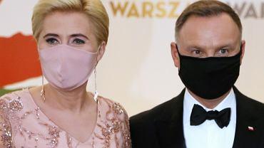 Gala wręczenia nagród Konkursu Chopinowskiego. Andrzej Duda wraz z żoną