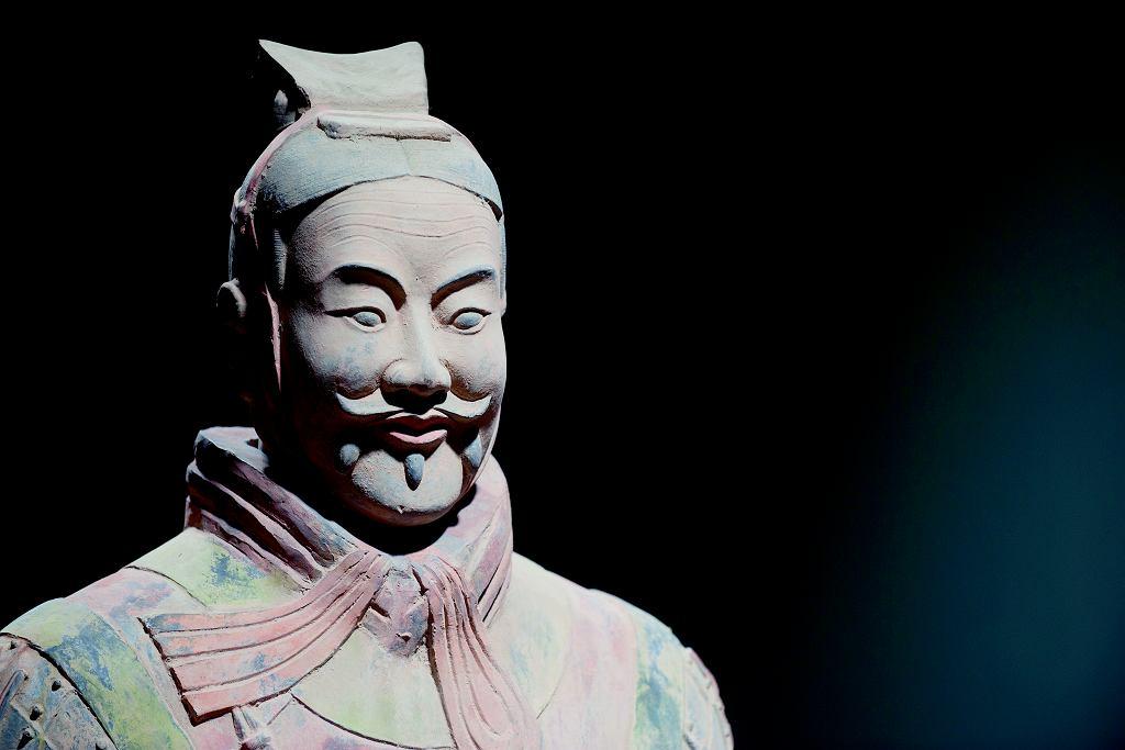 Chiński krawaciarz sprzed 2200 lat, czyli żołnierz z terakotowej armii cesarza Qin Shi.