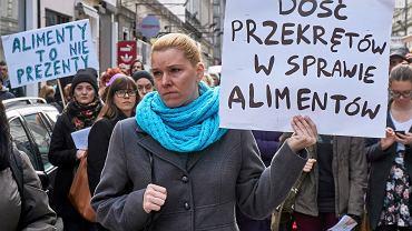 Manifestacja pod hasłem 'Dość przekrętów w sprawie alimentów', Poznań 08.03.2015