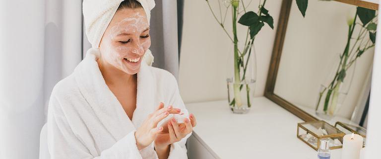 Te kosmetyki wygładzą istniejące już zmarszczki oraz zapobiegną powstawaniu nowych. Krem z awokado ujędrni i nawilży