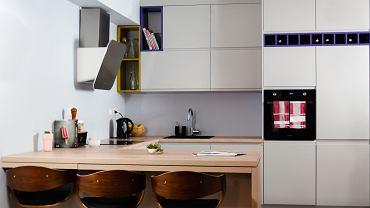Kuchnia - połączenie bieli i drewna