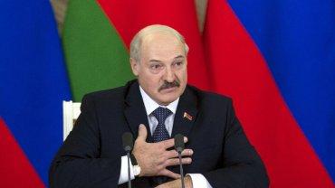 Prezydent Białorusi, Aleksander Łukaszenka, coraz częściej uczestniczy w rozmowach pokojowych i przychyla się ku głosom organizacji humanitarnych
