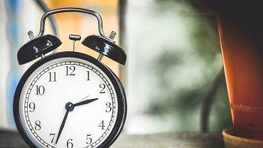 Zmiana czasu 2020 coraz bliżej. Kiedy przestawiamy zegarki z czasu zimowego na letni?