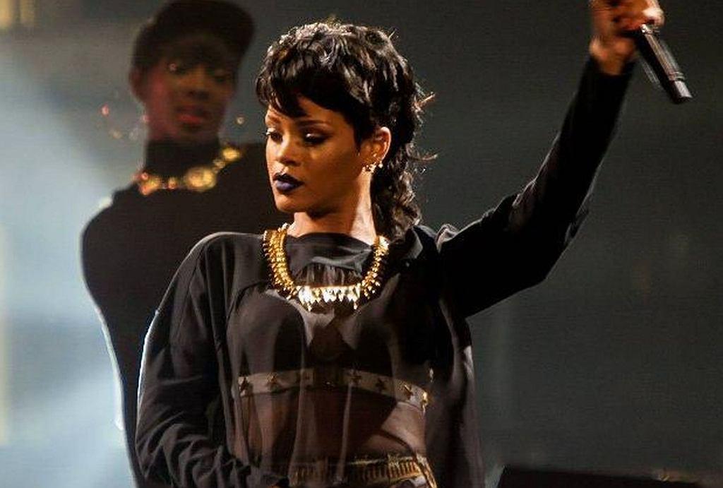 Rihanna - mullet hair