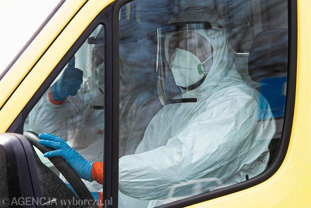 Koronawirus we Wrocławiu. Ratownicy z pierwszej linii walki z epidemią