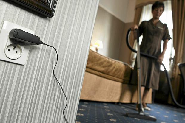 Zawód: pokojówka. Zdarza się, że pracownice hoteli znajdują w skotłowanej pościeli zużyte prezerwatywy (zdjęcie ilustracyjne)