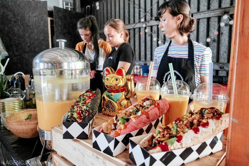 Kolorowe Hot Dogi Koreańskie Gołąbki Trwa Wege Festiwal
