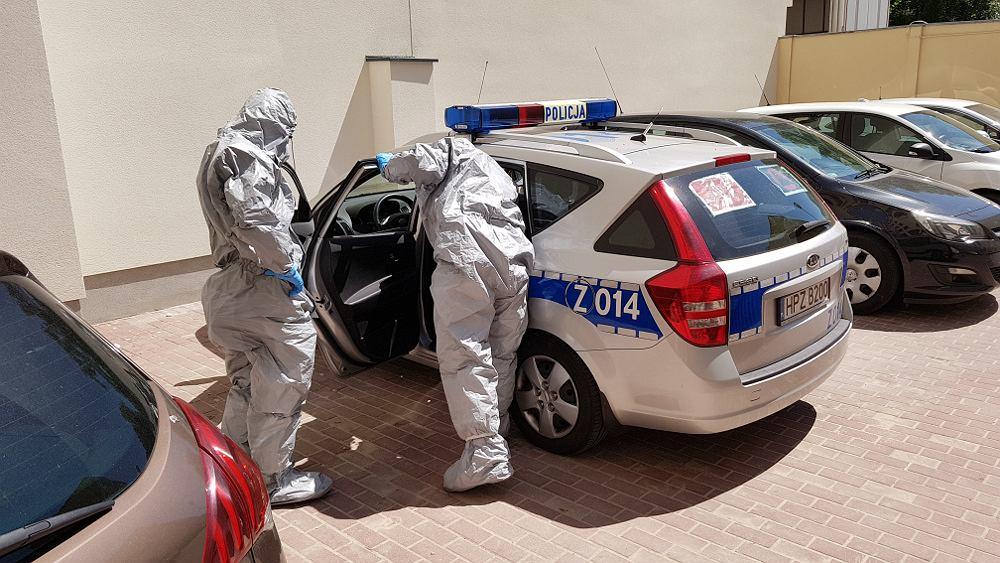 52-latka zakażona koronawirusem wyszła na zakupy