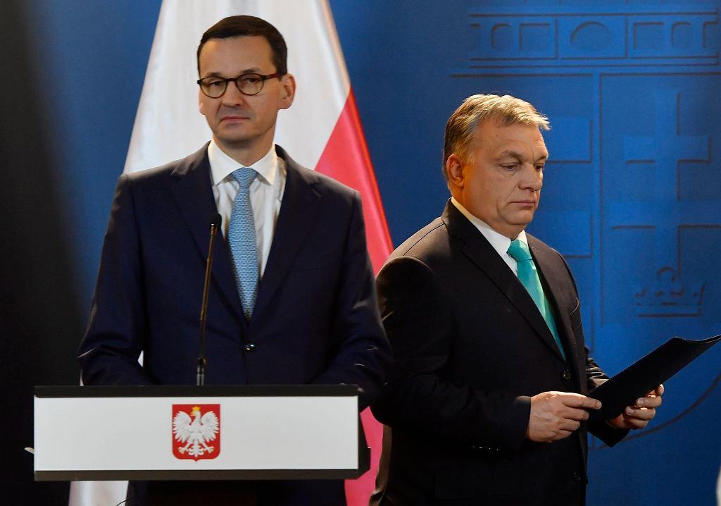 Premier rządu PiS Mateusz Morawiecki z oficjalną wizyta na Węgrzech. Wspólna konferencja z premierem Viktorem Orbanem. Budapeszt, 2 stycznia 2018