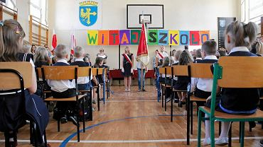 Szczepienia dzieci przeciw COVID-19 w szkołach. Nieoficjalnie: program ruszy we wrześniu (zdjęcie ilustracyjne)