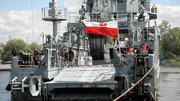 Okręty wojenne przy Wałach Chrobrego w Szczecinie