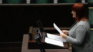 I czytanie projektu antyszczepionkowców. Przedstawicielka wnioskodawców Justyna Socha ze STOP NOP