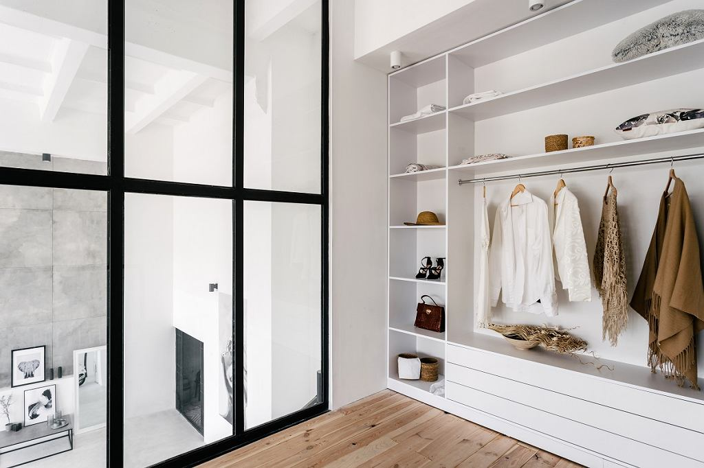 Szafa DIY - idealnie dopasowana do pomieszczenia