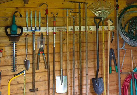 Niezbędne narzędzia ogrodowe i do majsterkowania